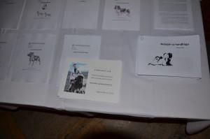 Výučbové materiály ako FCI štandard pre každé plemeno v angličtine a slovenčine, Prvý krát na výstave informačný článok, ktorý som pripravila, prednáška od Radeka Blaža a certifikát účastníka kurzu